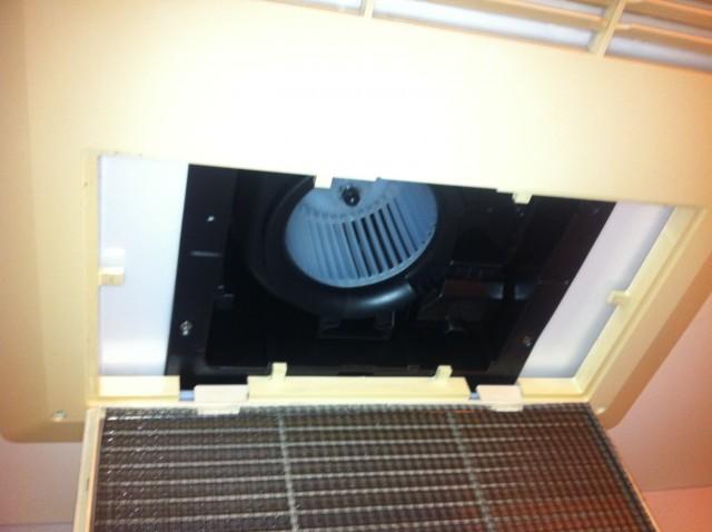浴室換気扇取替工事 施工事例
