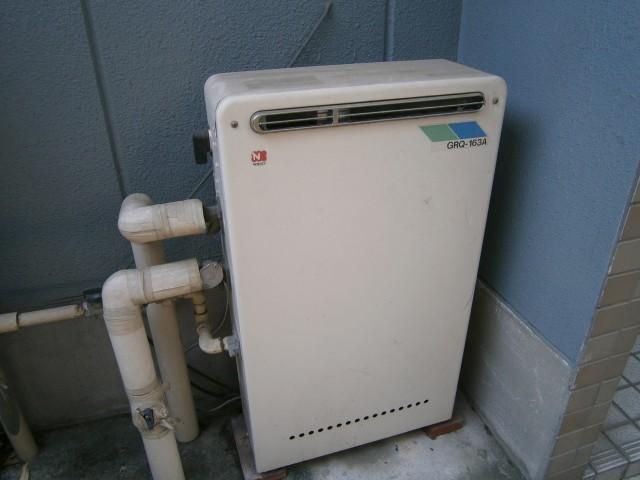 ガス給湯器取替工事 施工事例 名古屋市熱田区 施工前