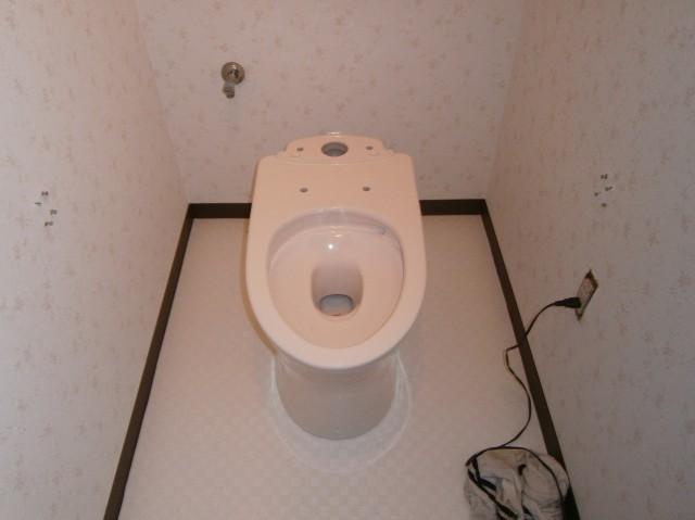 トイレ取替工事 施工事例 名古屋市中区 施工中