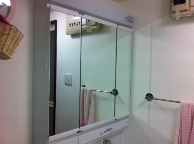 洗面化粧台取替工事 施工事例 名古屋市港区 新設の三面鏡
