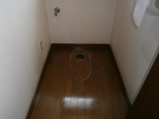トイレ取替工事 施工事例 半田市 撤去後