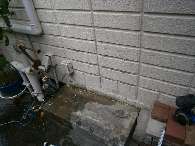 給湯器取替工事 施工事例 名古屋市南区 撤去後