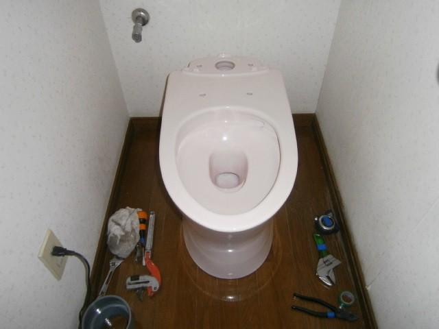 トイレ取替工事 施工事例 半田市 施工中