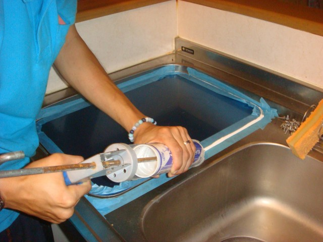 食洗器取替工事 施工事例 中津川 作業中
