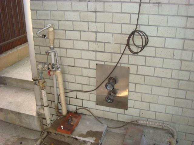給湯器取替工事 施工事例 名古屋市中川区 施工中