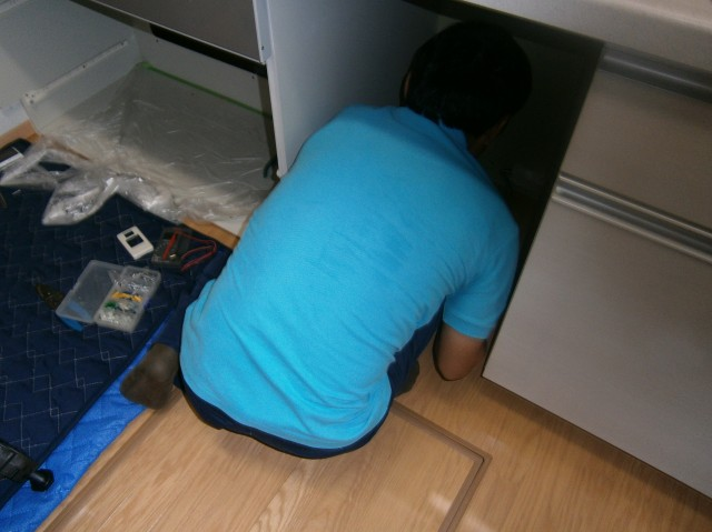 食洗器取付工事 施工事例 小牧市 施工中