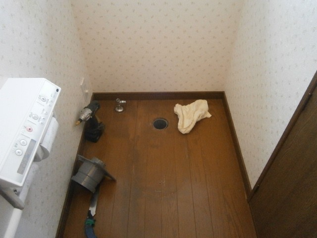 トイレ取替工事 施工事例 三重県桑名市 撤去後