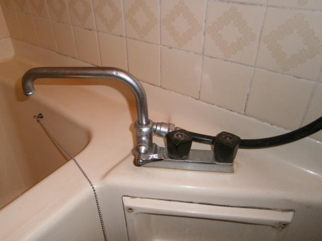 シャワー水栓取替工事 施工事例 瀬戸市 施工前