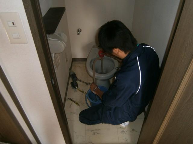トイレ取替工事 施工事例  岡崎市 撤去中