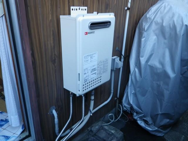 給湯器交換工事 施工事例 名古屋市北区 施工中
