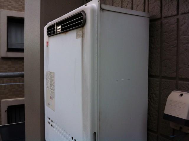 安城市 ガス給湯器 交換工事 施工前