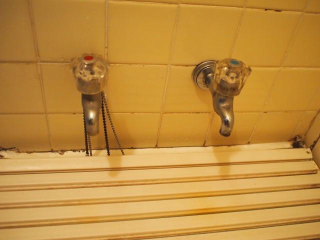 四日市市 シャワー水栓 取付け工事 施工前