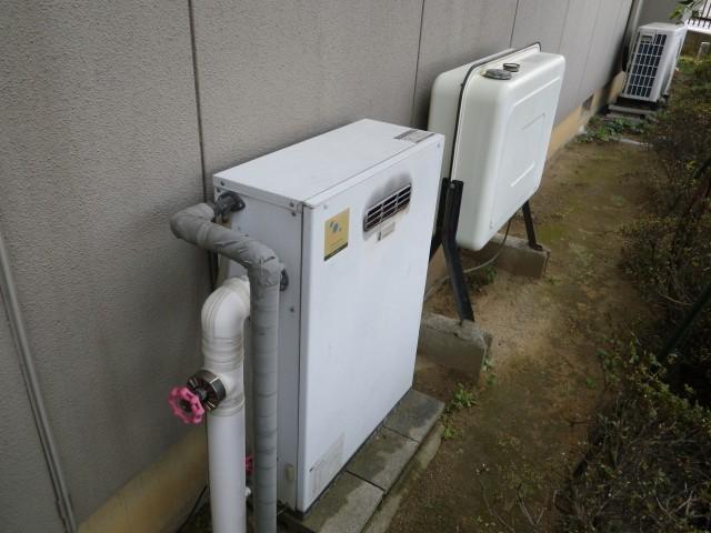 豊川市 石油給湯器取替工事 施工前
