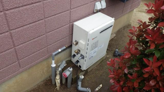 知立市 ガス給湯器取替工事 施工中
