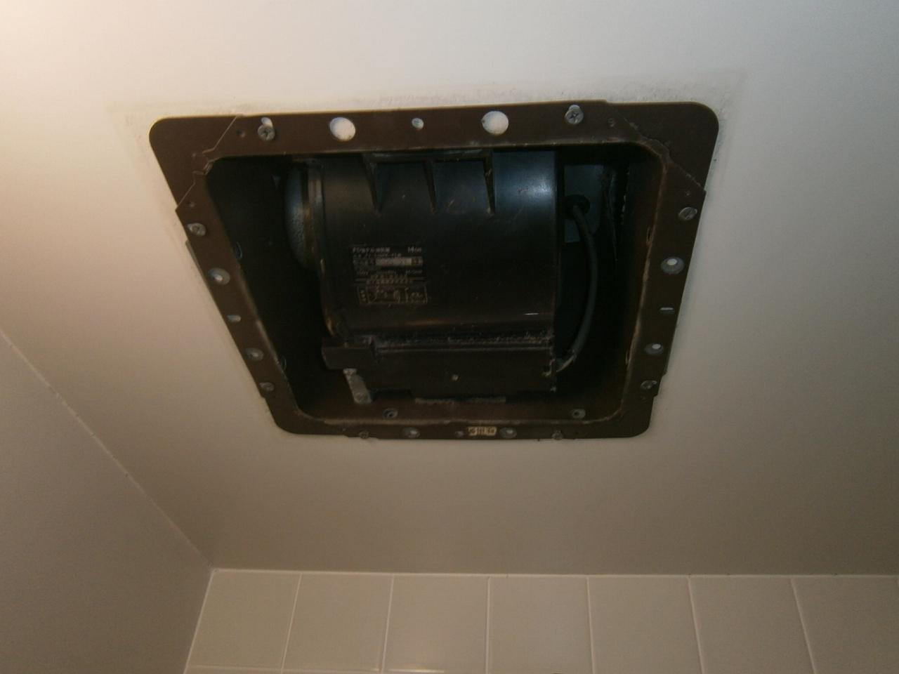 一宮市 浴室換気扇取替工事 施工前