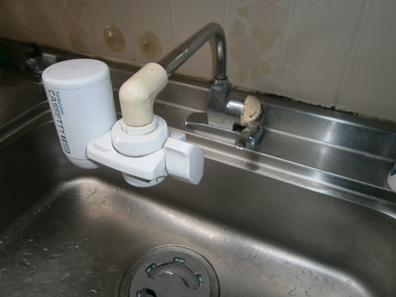 半田市 キッチン&洗面水栓取替工事 施工前