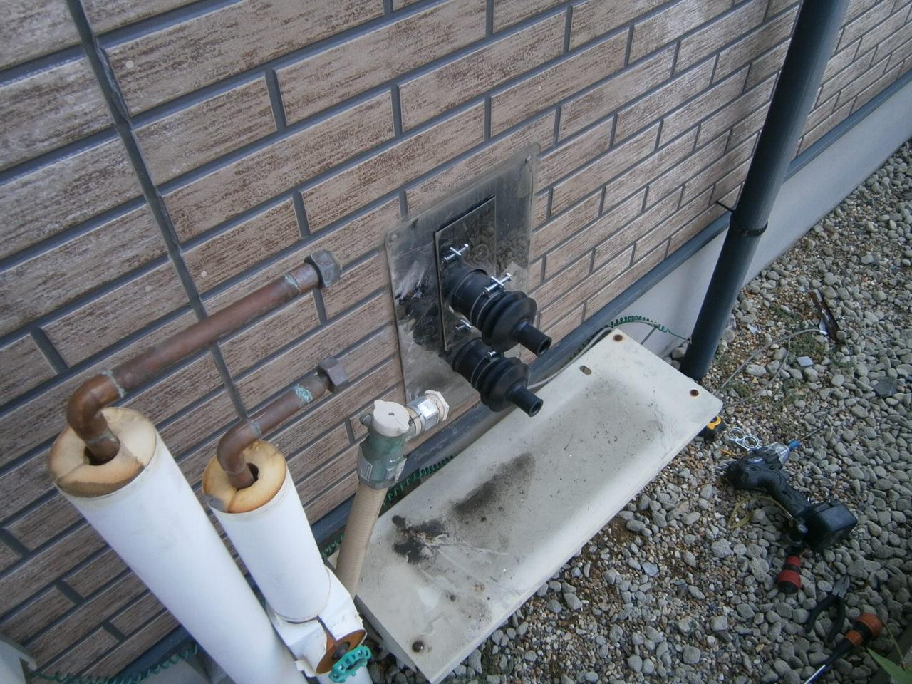 刈谷市 ガス給湯器取替工事 撤去後