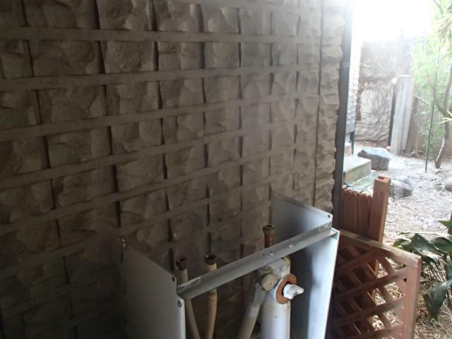 名古屋市昭和区 ガス給湯器取替工事 撤去後
