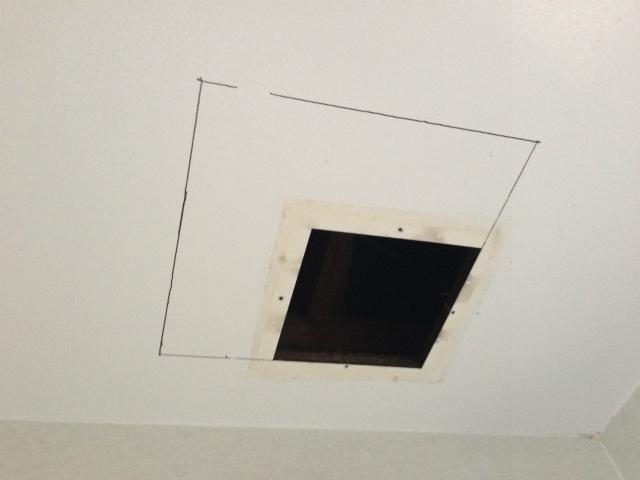 多治見市 浴室暖房換気扇取替工事 撤去後