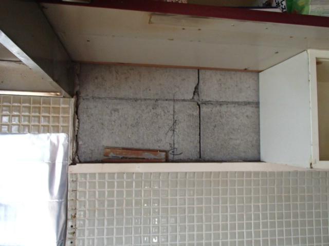 ガス瞬間湯沸し器新設工事(名古屋市熱田区) キャビネット撤去後