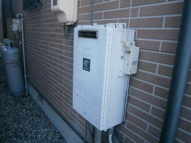 無線リモコン式ガス給湯器取替工事  (岡崎市)  取替前