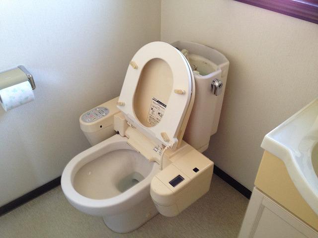 愛知郡東郷町U様邸トイレ取替工事 施工事例 2F施工中