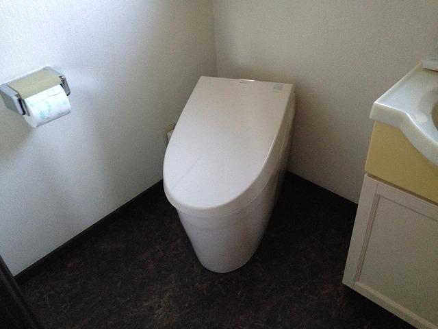 愛知郡東郷町U様邸トイレ取替工事 施工事例 2F完成ネオレストAH2W
