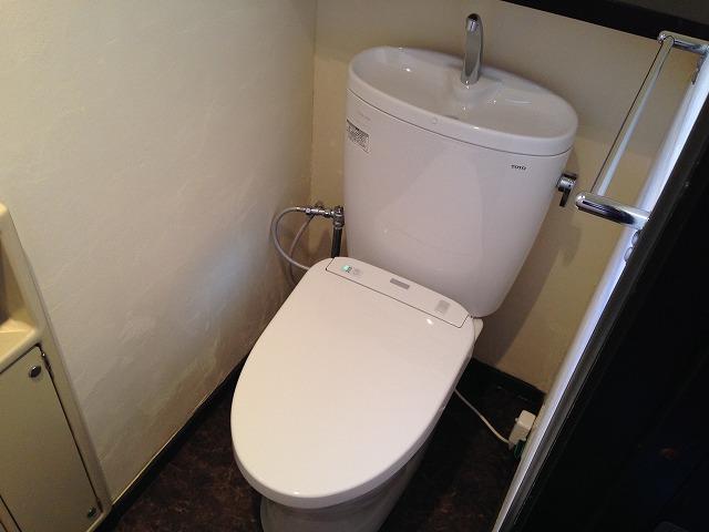 愛知郡東郷町U様邸トイレ取替工事 施工事例 1F完成ピュアレストEX+TCF4831AK