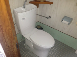 名古屋市中村区M様邸トイレ取替工事 完成ピュアレストQR+普通便座
