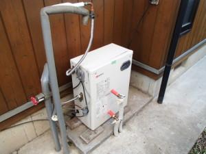 豊川市石油給湯器取替工事施工事例 仮設置