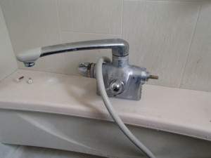 TOTOシャワー水栓取替工事(名古屋市中村区)施工前
