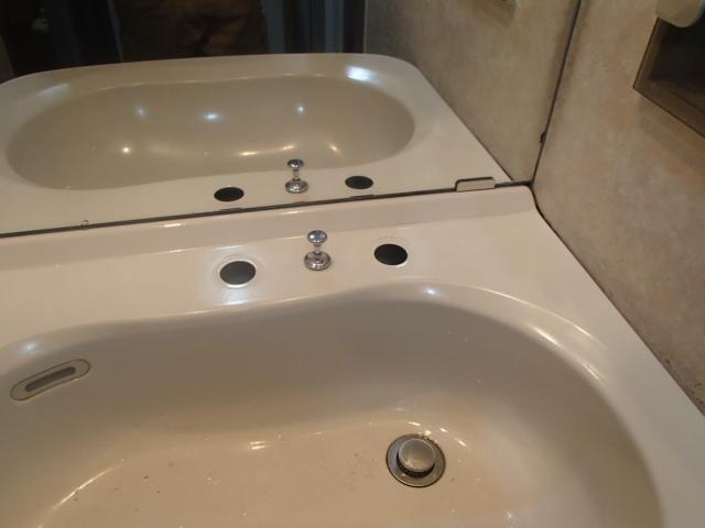 名古屋市中川区西中島KVK洗面シャワー水栓取替工事 撤去後