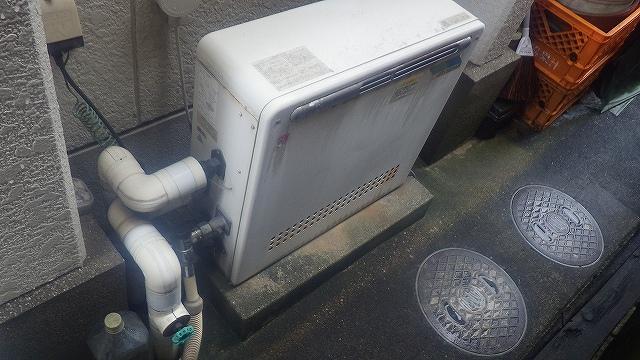 春日井市鳥居松町でリンナイRUF-A1610SAG据置給湯器取替工事