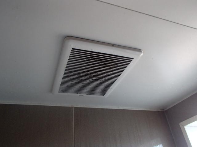 名古屋市名東区西里町パナソニック浴室暖房乾燥機取替工事 施工前
