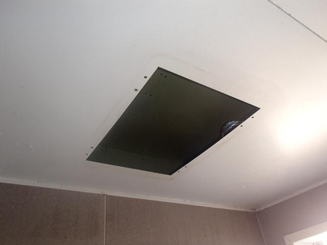 名古屋市名東区西里町パナソニック浴室暖房乾燥機取替工事 撤去後