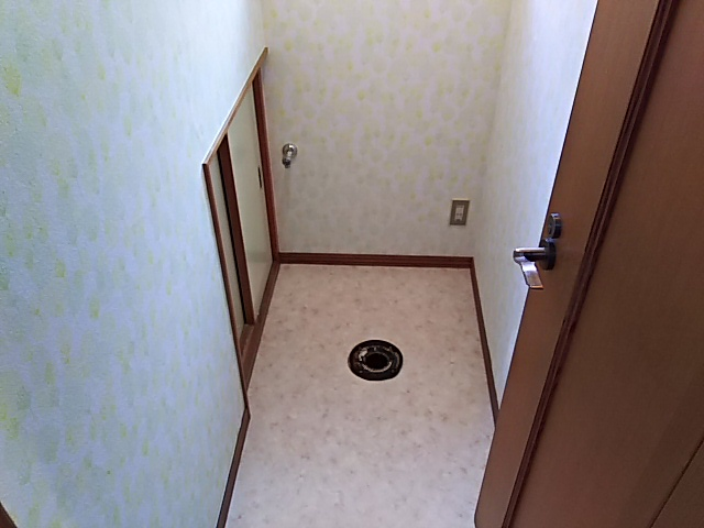 TOTOトイレ取替工事小牧市高根 内装張替え