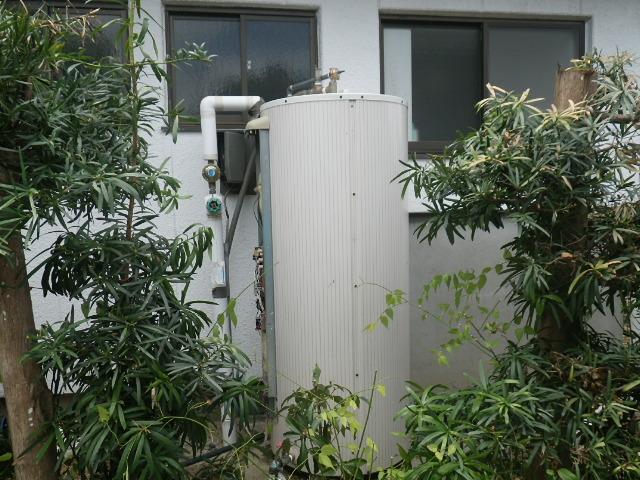 西尾市 電気温水器取替工事 取替施工前②。