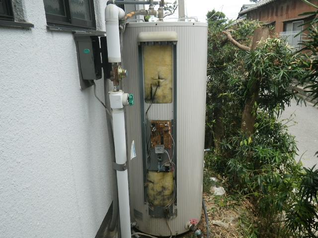 西尾市 電気温水器取替工事 取替施工前。