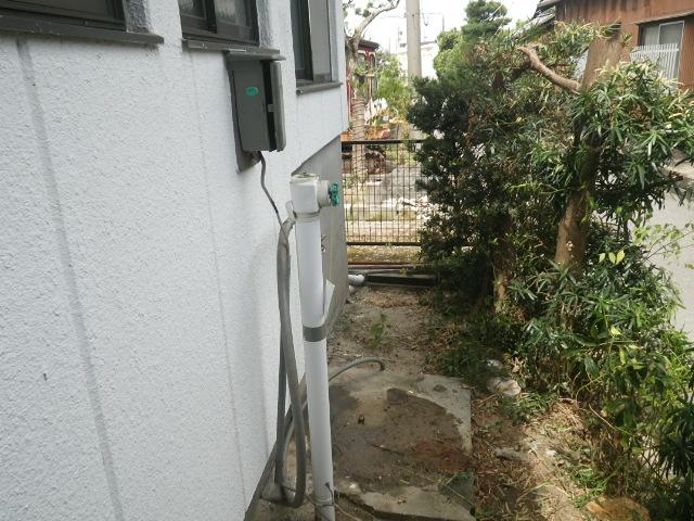 西尾市 電気温水器取替工事 既設撤去完了後。