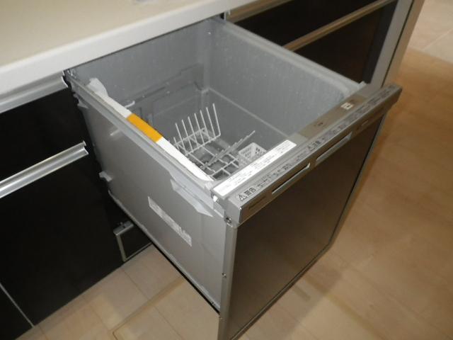 食洗機新規取付工事 食洗機試運転後②。