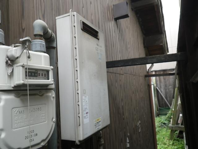 高温差し湯ガス給湯器取替工事 取替施工前。