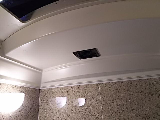 浴室換気乾燥機新規設置工事 新規設置工事前。