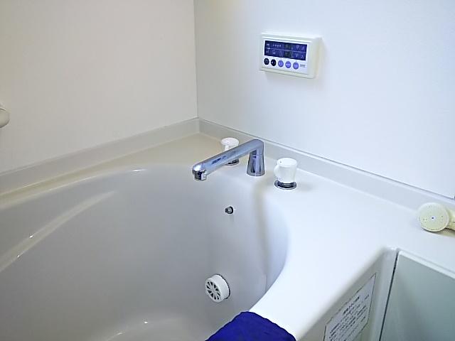 浴槽水栓取替工事 取替施工前。