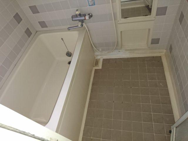 既設浴槽、床