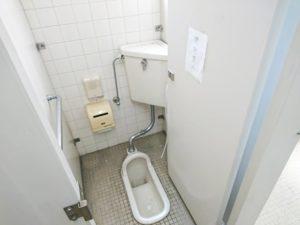 施工前の和式トイレ