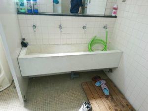 施工前の手洗い